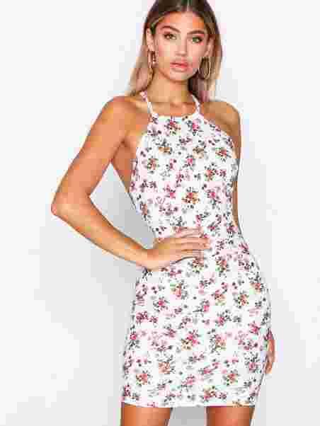 93b8dc096b72 Shoppa Low Back Print Dress - Online Hos Nelly.com