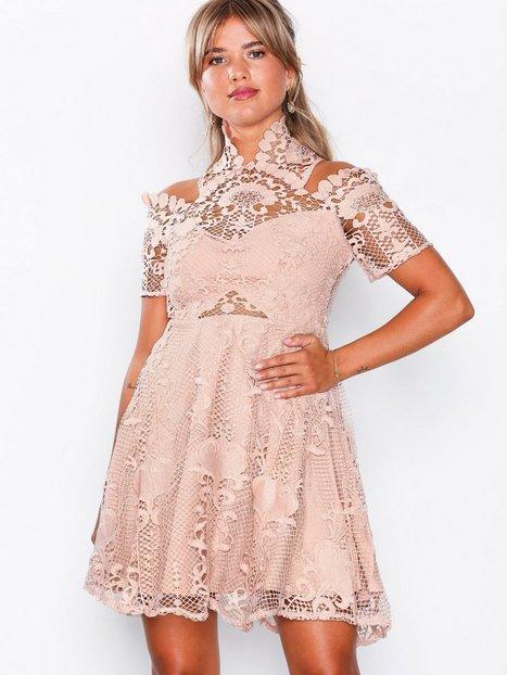 Billede af Love Triangle Bella Donna Mini Dress Kropsnære kjoler Almond Cream