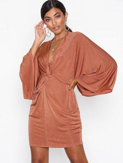 Billede af NLY One Kimono Twist Dress Loose fit Rust