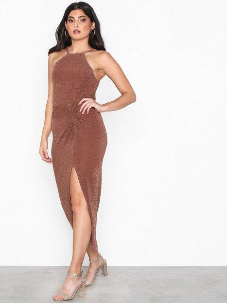 8fc5b0e5a3b9 Billede af NLY One Lurex Twist Dress Maxikjoler Mørk Rosa