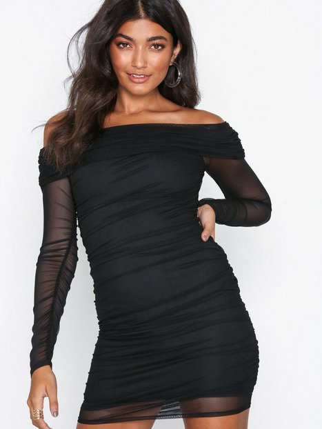 6a1c35ce7b0b NLY One Mesh Off Shoulder Dress Festkjoler Sort. Beskrivelse Tætsiddende  kjole ...