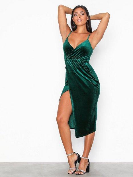 Billede af NLY One Wrap Drape Velvet Dress Kropsnære kjoler Grøn