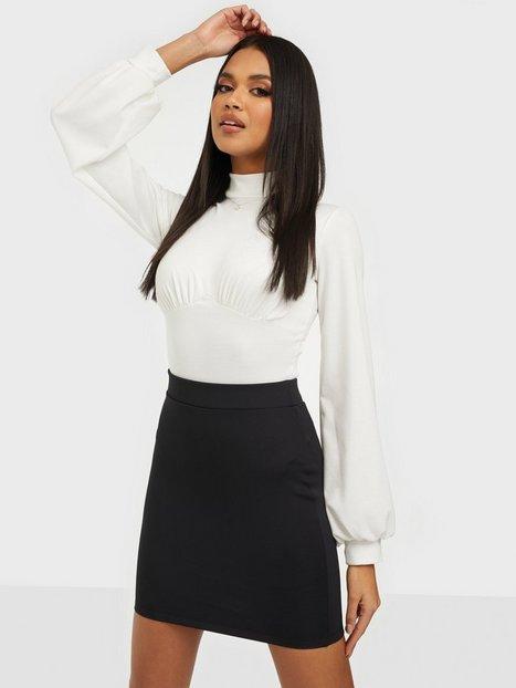 Billede af NLY One Mini Base Skirt Mini nederdele Sort