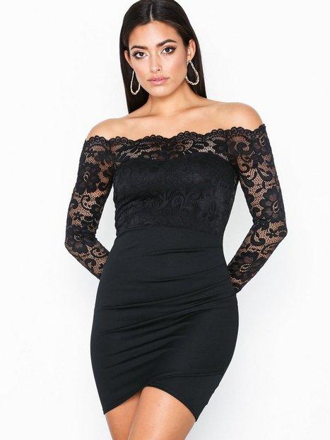 Billede af NLY One Off shoulder Lace Dress Tætsiddende kjoler Sort