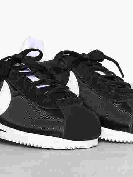 separation shoes abddb c579f CLASSIC CORTEZ NYLON. Nike