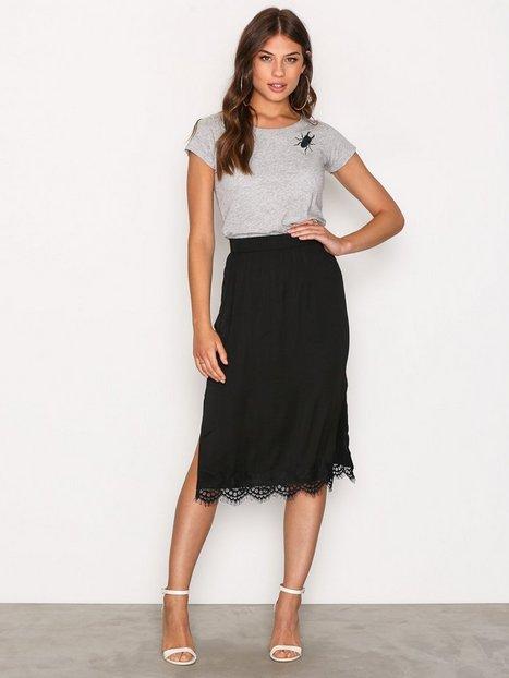 Billede af MOSS COPENHAGEN Donny Polysilk Skirt Midi Nederdel Black Lace