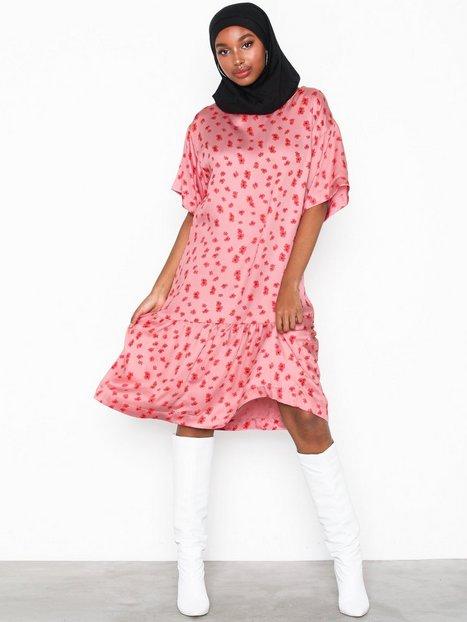 Billede af MOSS COPENHAGEN Anemone Nor Dress AOP Loose fit dresses