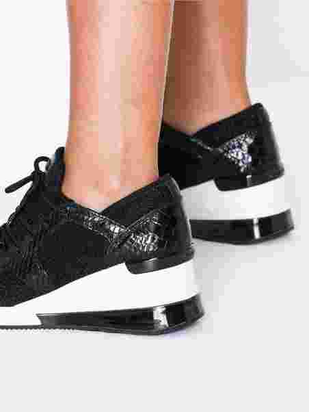 5d1e3bcd Liv Trainer Extreme - Michael Michael Kors - Svart - Sneakers - Sko ...