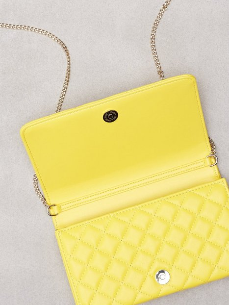 Axelremsväska Quiltad : Quiltad axelremsv?ska love moschino yellow bags