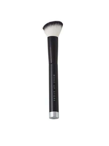 Billede af Make Up Store Blush Angle Brush #501 Pensle & Sminkebørste Black