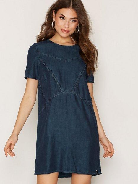 Billede af Calvin Klein Jeans Daria RN S/S Tencel Dress Loose fit dresses Indigo