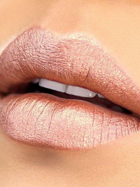 Lip Metallic Matte: Amore Matte Metallic Lip Crème