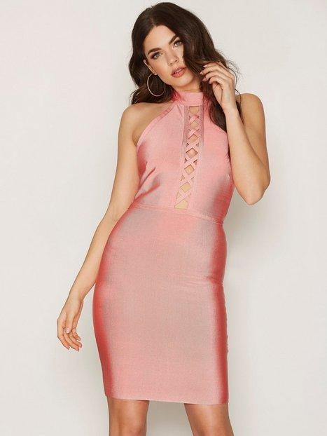 Billede af WOW Couture Front Strap Mini Dress Kropsnære kjoler Salmon