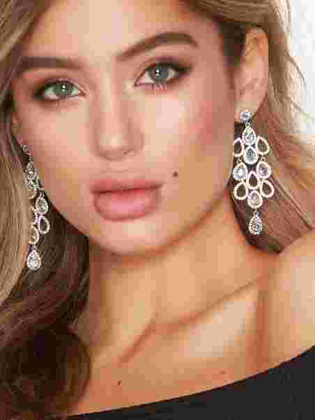 huge selection of 419e7 97a63 Chloe Earrings, Lily and Rose