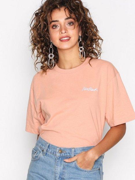 Billede af New Black Little Signature Tee T-shirt Coral