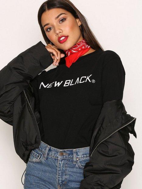 Billede af New Black Logo L/S Tee Langærmede toppe Black