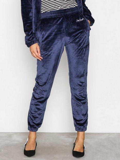 Billede af New Black Velour Tracksuit Pants Bukser Marine