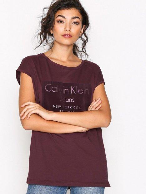 Billede af Calvin Klein Jeans Tika-22 Cn Lwk S/S Toppe Fig