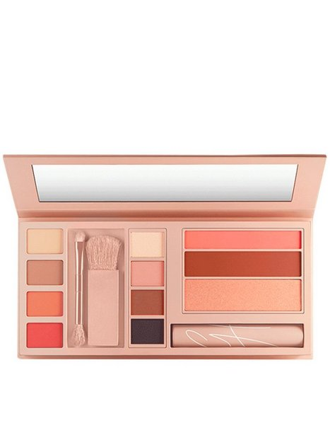 Maybelline New York Gigi Hadid JetSetter Palette Blush Multicolor thumbnail