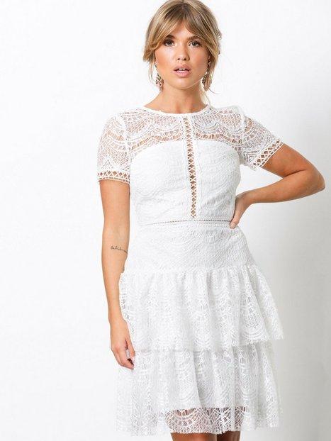 Billede af NLY Trend Bottom Frill Dress Skater kjoler Hvid