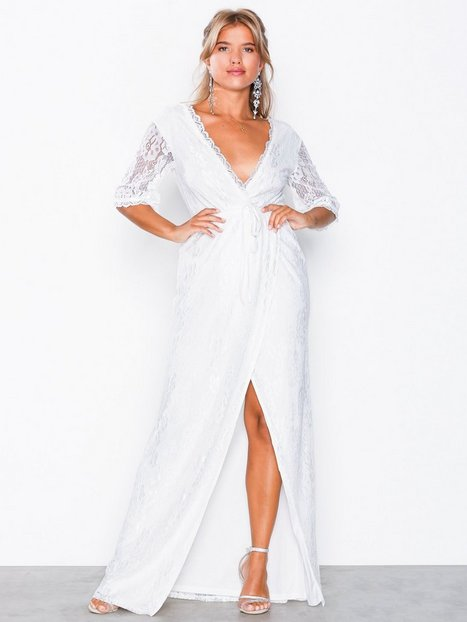NLY Eve Forever Lace Wrap Gown Maxiklänningar Vit (NELLY) - TheTrendi ce7ab2326da22