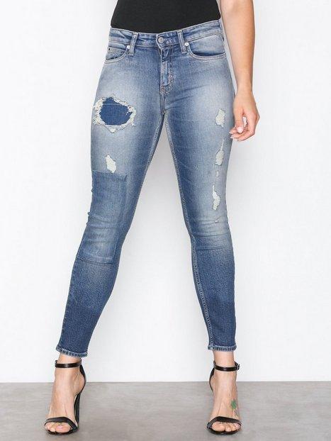 Billede af Calvin Klein Jeans CKJ 011: Mid Rise Skinny Straight Denim