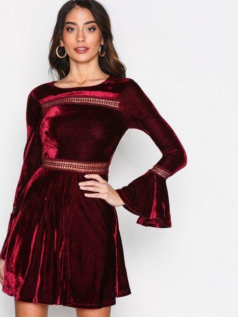 Billede af Kiss The Sky Lush Life Dress Kropsnære kjoler Wine