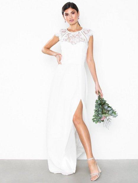 Billede af NLY Eve Cap Sleeve Flowy Gown Tætsiddende kjoler