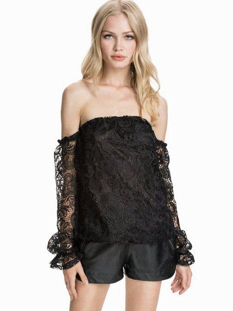 Billede af NLY Design Off-Shoulder Heavy Lace Langærmede toppe