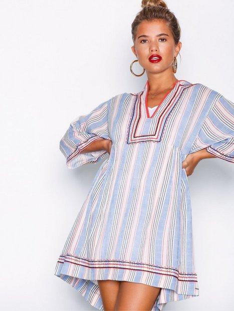 Billede af Tommy Jeans Kaftan Dress Loose fit dresses Rød