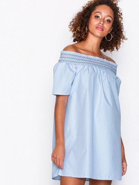 Billede af Tommy Jeans Off Shoulder Dress Loose fit dresses Hvid