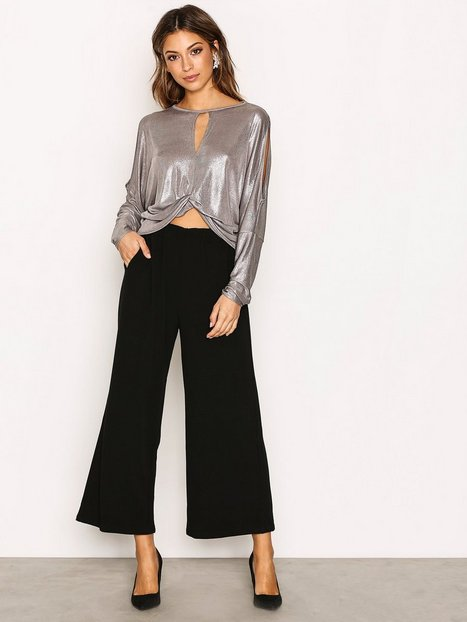 Twist Front Batwing Top