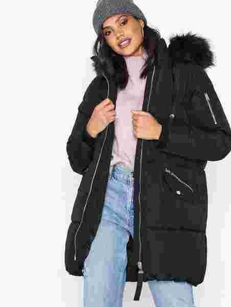 8b7299bb7d45 Puffer Jacket - River Island - Black - Jackets - Clothing - Women ...