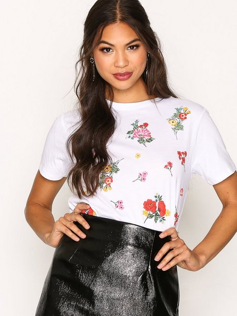 New Look Floral Puff Print T-shirt T-shirts White thumbnail