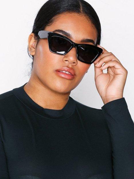 Chunky Frame Small Cat Eye Sunglasses