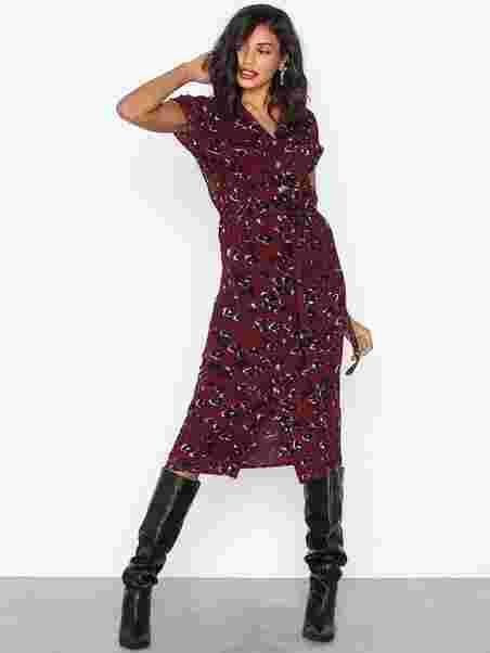 8670c8ed53347 Leopard Print Midi Shirt Dress - New Look - Red - Dresses - Clothing ...