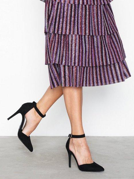 Billede af New Look Suedette Buckle Strap Heels Pumps