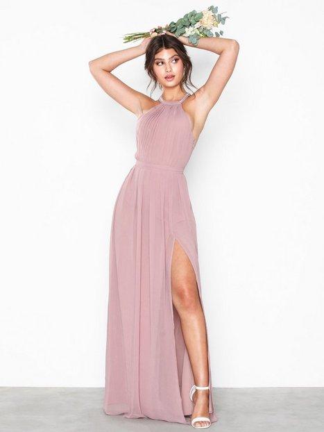 0ff6e40627c5 NLY Eve Halterneck Beaded Gown Maxikjoler Dark Rose. Beskrivelse ...
