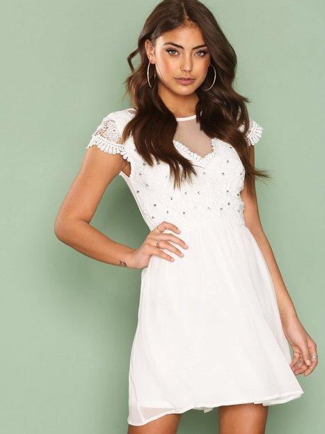 Billede af NLY One Bejeweled Lace Dress Skaterkjole Hvid