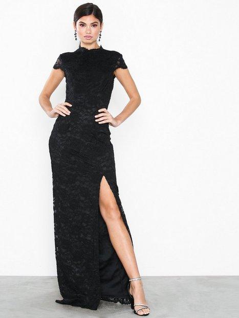 de47eccac585 NLY Eve Rose Lace Gown Tætsiddende kjoler Sort