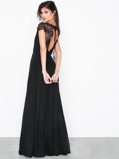 Billede af NLY Eve Cap Sleeve Lace Gown Maxikjoler