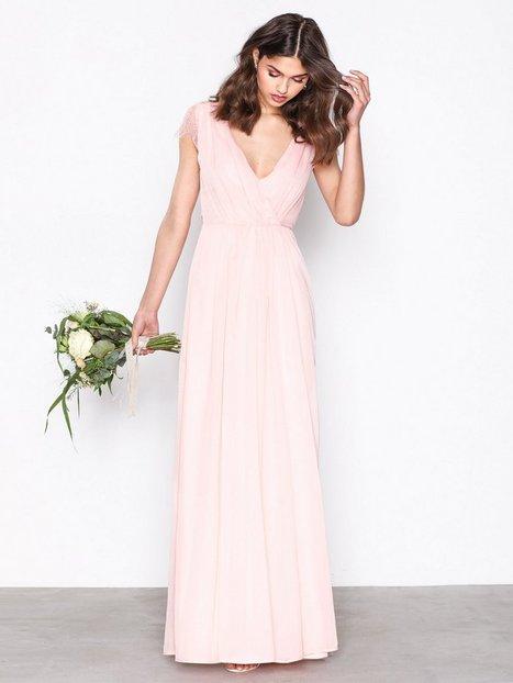 Billede af NLY Eve Cap Sleeve Lace Gown Maxikjoler Lys Rosa