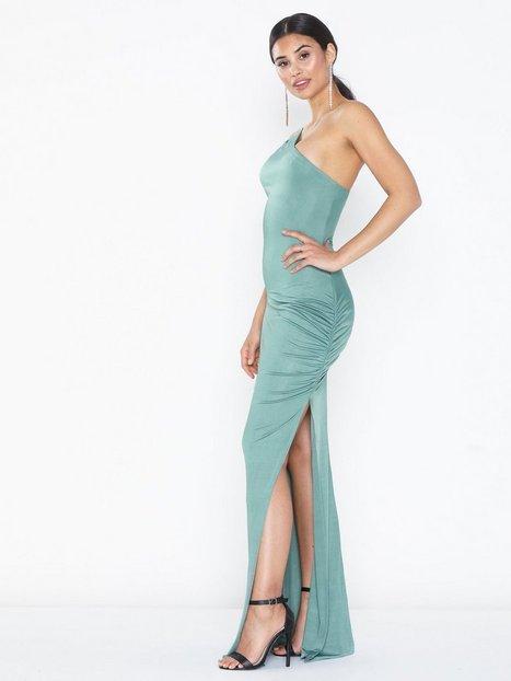 Billede af NLY Eve Assymetric Strap Gown Tætsiddende kjoler
