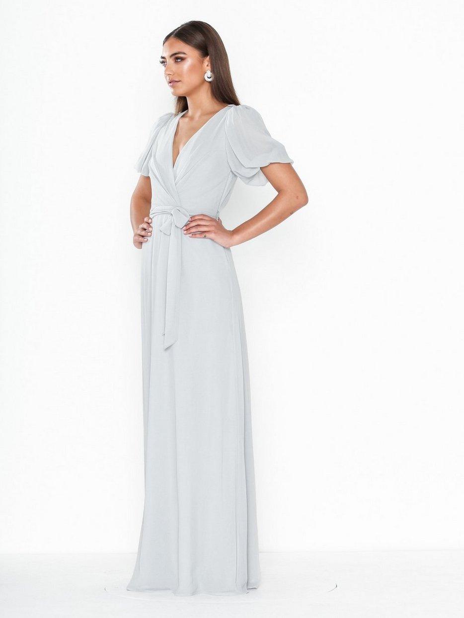 Köp NLY Eve Puff Sleeve Gown | Festklänningar