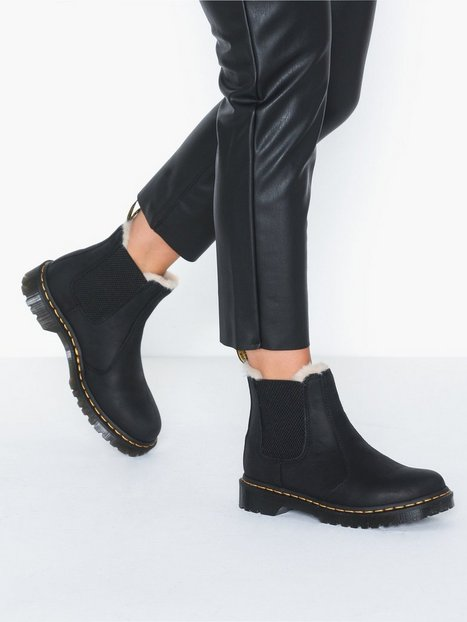 leonore dr martens black boots shoes women. Black Bedroom Furniture Sets. Home Design Ideas