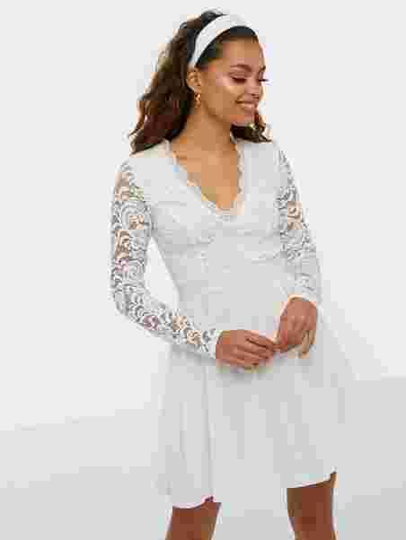 Scalloped Lace Prom Dress - Nly Trend - Valkoinen - Juhlamekot ... 98d30deb2d