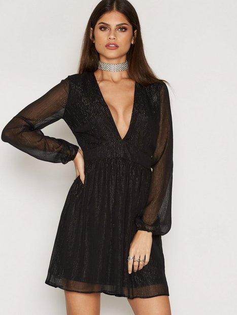 Billede af NLY Trend Awake Glitter Dress Loose fit Sort