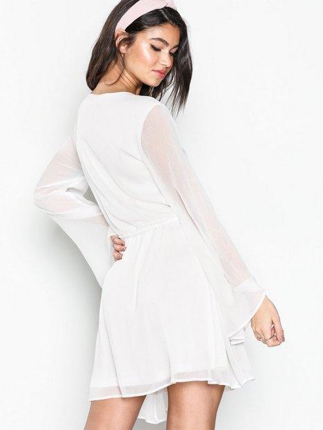 Wide Sleeve Wrapped Dress