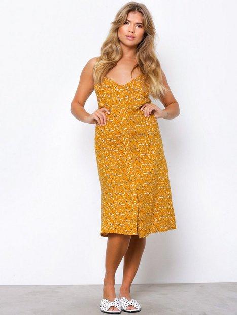 Billede af NLY Trend Button Strap Dress Loose fit dresses Gul Mønstret