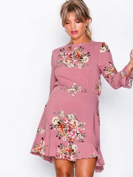 Nelly kleider rosa
